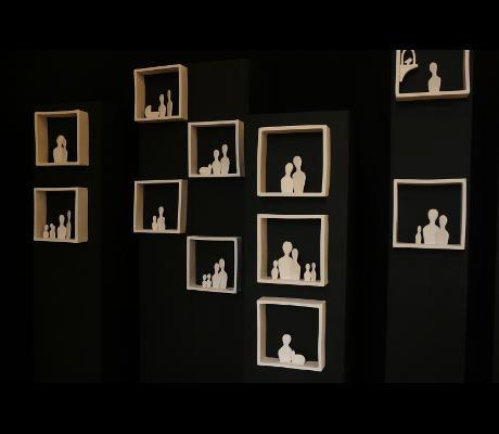 Sculptures Habiter présentées ensemble. Vue de trois quart. Exposition Chateau de Belleville - Gif sur Yvette - 2015