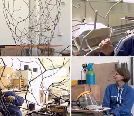 Cette video présente Isabelle Fauve-Piot dans son atelier à St Remy lès Chevreuse - Domaine de Saint Paul